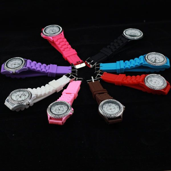 Brand New Women Ladies Mens Rubber Silicon Fashion Quartz Wrist Watch